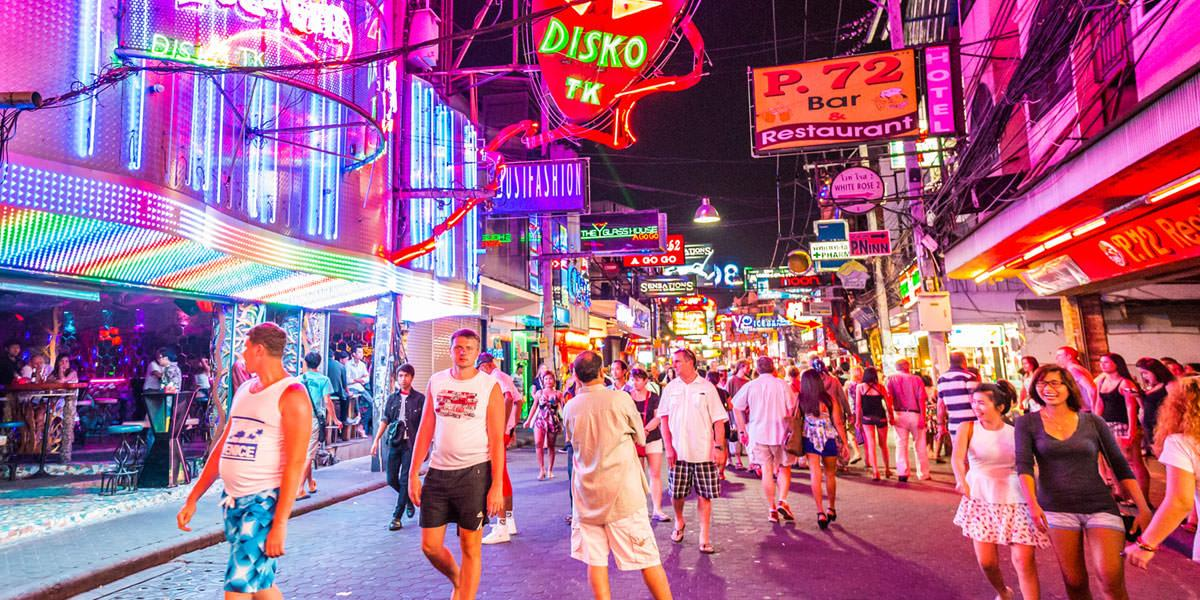 walking-street-pattaya-nightlife